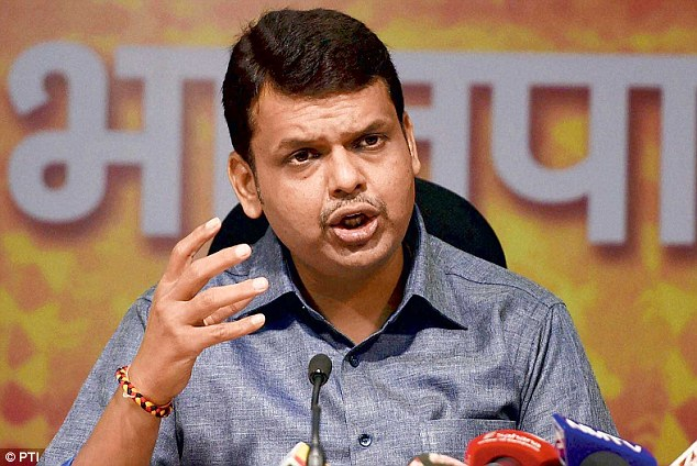 Maharashtra CM Devendra Fadnavis, Emergency, Indira Gandhi, Pension, News Mobile, News Mobile India
