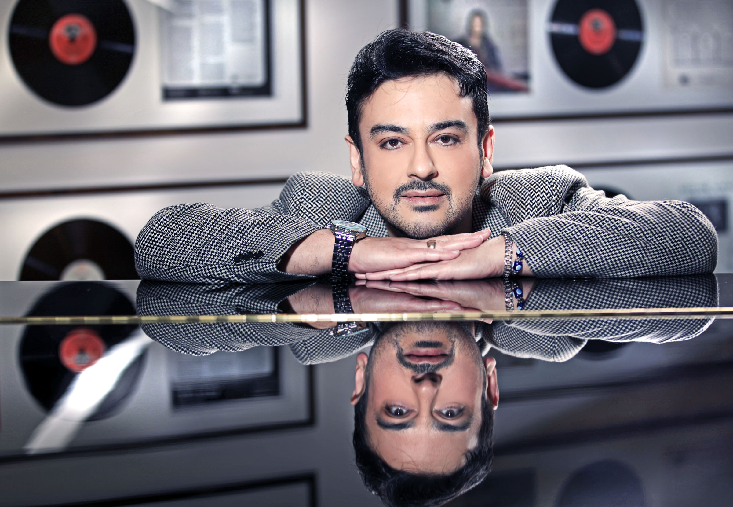 Adnan Sami, Pakistani troll, Eid, Gudi Padwa, Navratri, Ugadi, Pakistan, Singer, Bollywood, NewsMobile, Entertainment, Mobile News
