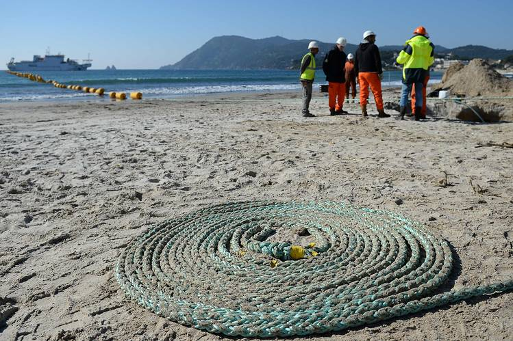 Facebook and Microsoft partners to lay trans-atlantic undersea data cable