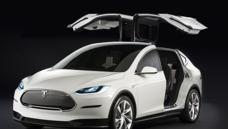 Thanks to a software update, Tesla cars can now park on their own