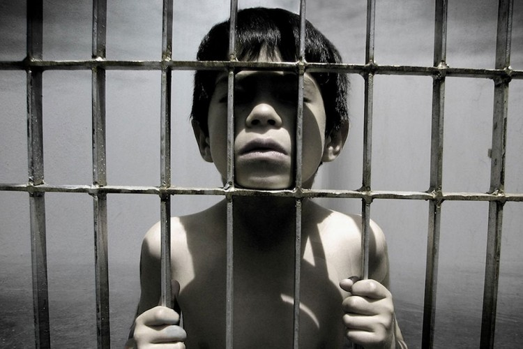 Child-in-jail-