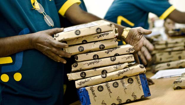 E-retailers, India, Flipkart, 300, 600, employees