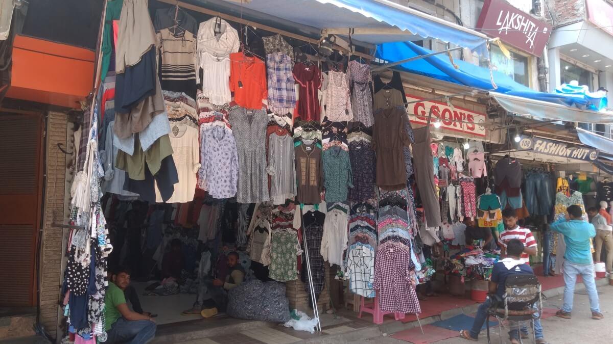 Sarojini Nagar's street shops aren't going to shut down