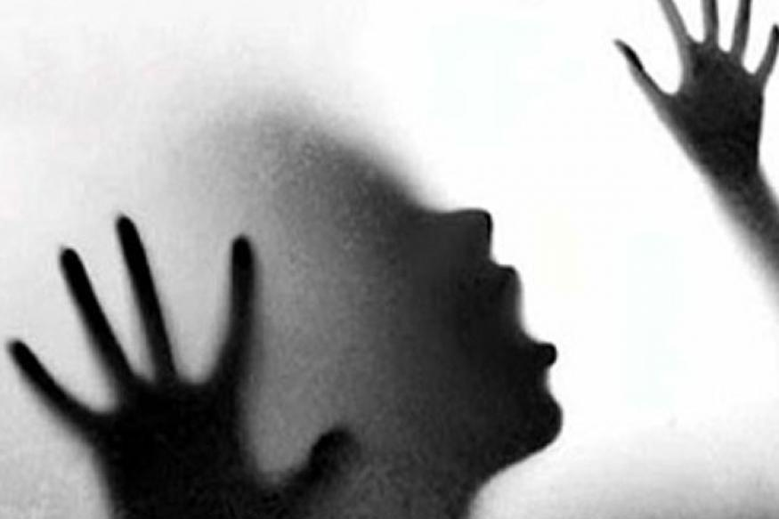 Woman, Rape, Gang Rape, Metal, Object, NewsMobile, West Bengal, CityScape