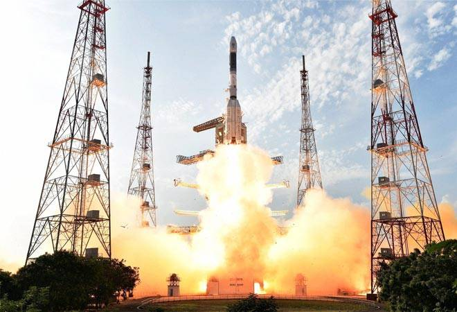 Narendra Modi , Pranab Mukherjee , Geosynchronous Transfer Orbit, Sky Muster II satellite, European launcher Ariane-5 VA-231, 14 operational telecommunication satellites, telecommunications services , Indian Space Research Organisation , South America, French Guiana, GSAT-18, Arianespace, Kourou,