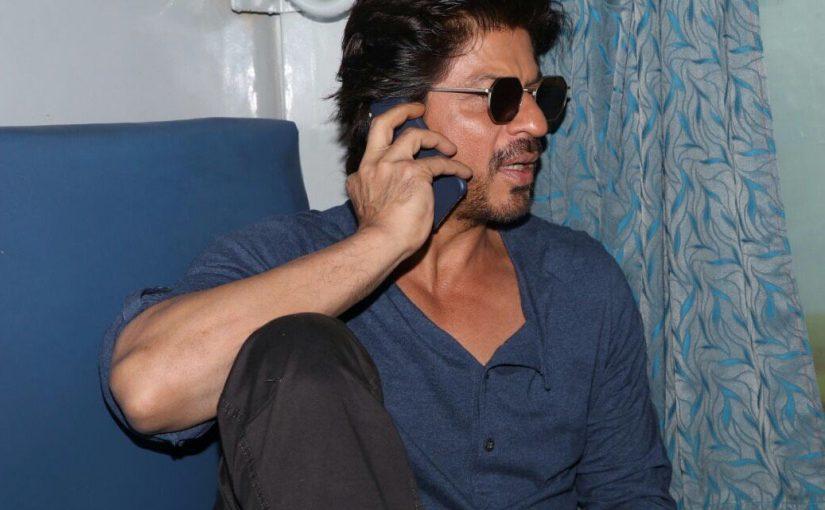 Shah Rukh Khan, August Kranti Express,Hazrat Nizamuddin railway station, Raees, Andheri, Borivali, Surat, Vadodara, Ratlam, Kota, Sawai Madhopur, Mathura