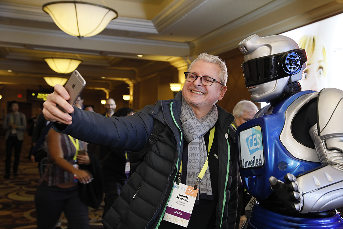 Bibelib, Consumer Electronics Show 2017, CES 2017, CES, Invoxia, iPhone, landline, Holi, smartest alarm clock, OroSound, luggage, Royole Moon, Royole-X, Spartan, anti-radiation boxer, textile tech, Spartan Boxer Briefs, Wair, pollution, smart scarf, scarf, anti-pollution scarf, clausette.cc, Mangoslab Nemonic printer, Kerastase Hair Coach, Aristotle