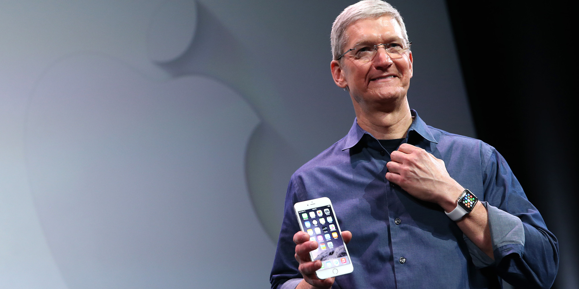 Apple, Apple CEO, Tim Cook, salary, 15%, annual sales, iPhone, 2016