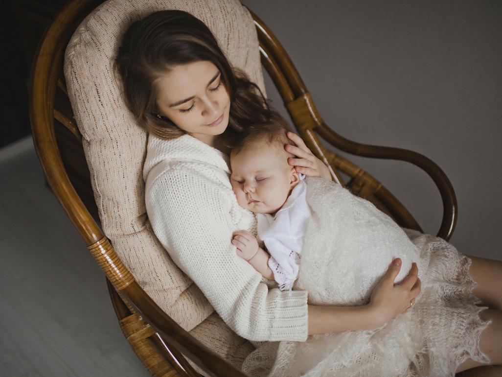 Усыпил мату и, Подлил снотворного русской мамаше и отодрал ее спящую 6 фотография