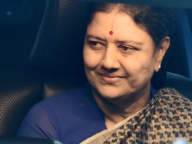 Sasikala, booted out, Amma, eternal general secretary, OPS, EPS, Tamil Nadu, NewsMobile, Mobile News, India
