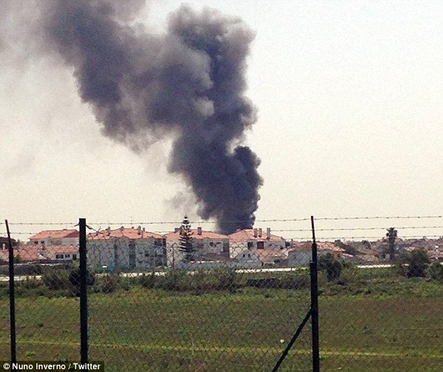 Portugal, plane crashed,supermarket, four dead