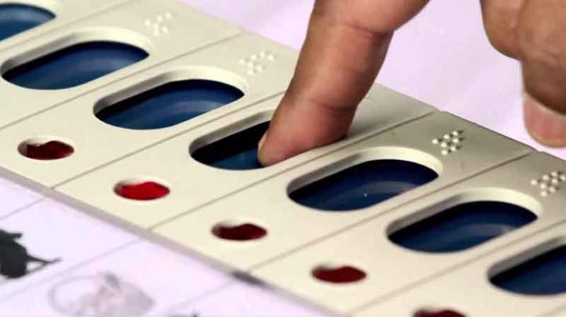 Candidates, Karnataka, Battle For Karnataka, Polls, 2655, NewsMobile, Politics, Mobile News, India