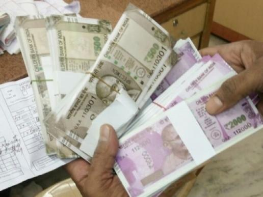 Rs 72000, Police, Surat, fake currency, arrest, gujarat, local news