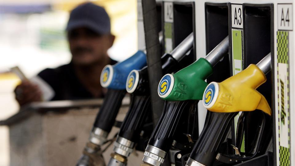 Fuel, price hit, record high, NewsMobile, Petrol, Diesel, Mobile News, India