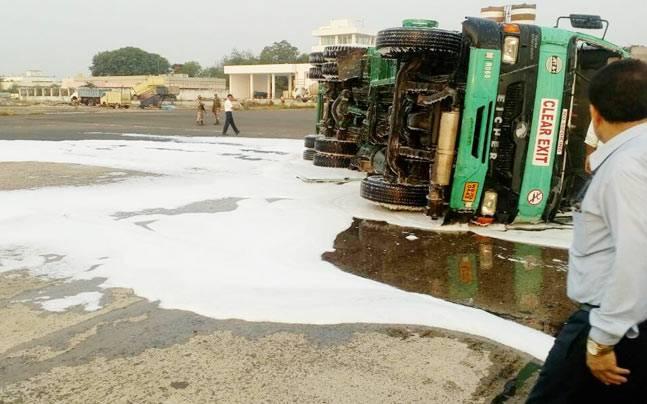 Airports Authority of India, AAI, oil tanker overturned, flight operations, Atul Dikshit, Kolkata, airport, west bengal