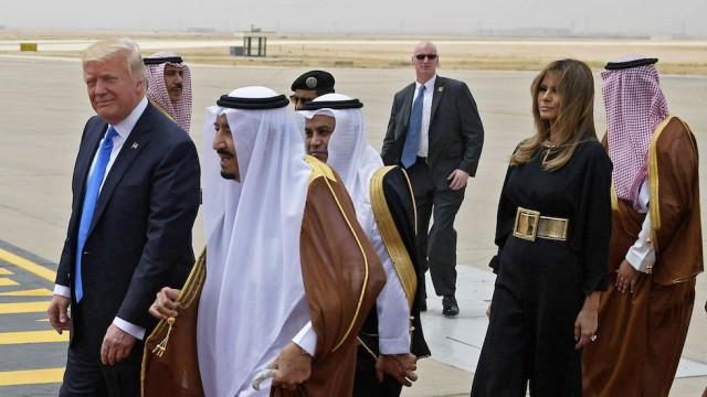 United States, First Lady, Melania Trump, President Donald Trump, Ivanka Trump, Saudi Arabia, headscarf