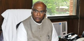 Union Defence Minister Rajnath Singh, Rafale fighter, France, Congress leader Mallikarjun Kharge, NewsMobile, NewsMobile India