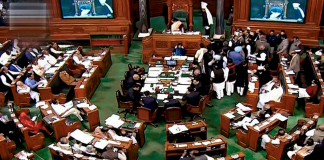 Congress, stage, walkout, Lok Sabha, PM Modi, Pak meeting remark, Pakistan, Prime Minister, Narendra Modi, BJP, Manmohan Singh, NewsMobile, Winter Session, Parliament, Mobile News, India