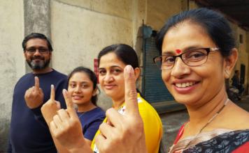 Battle for Gujarat, Voting, 93 seats, second phase, Prime Minister, Narendra Modi, Gujarat, Congress, NewsMobile, Mobile News, India