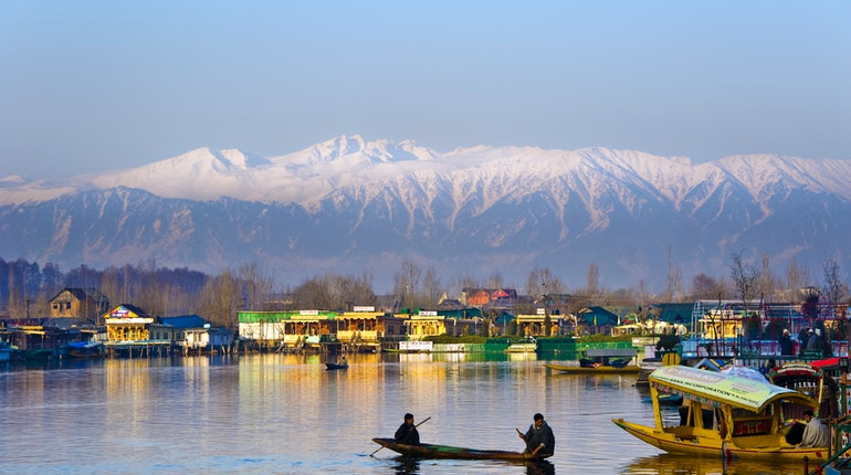 book store, kashmir, Srinagar, Dal Lake, library, Gulshar Book store, India, Traveler, limca book of records