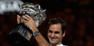 Federer breaks the 20-barrier with a 'six' in Melbourne Park