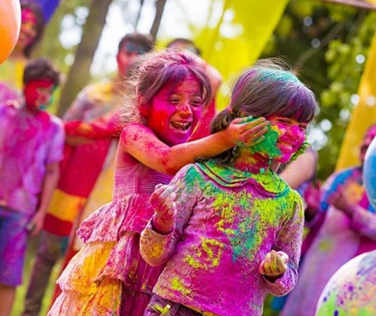 Holi, Colours, Guide, Safe, NewsMobile, Mobile News, Lifestyle, India