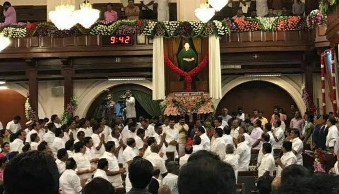 Jayalalithaa, portrait, unveiled, Tamil Nadu, Assembly, Chennai, P Dhanapal, Chief Minister, K Palaniswami, Politics, NewsMobile, Mobile News, India