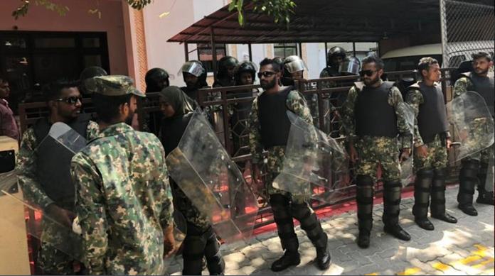 Maldivian crisis, former President, Chief Justice, arrest, Maldives, Maumoon Abdul Gayoom, emergency, World, NewsMobile, Mobile news, India