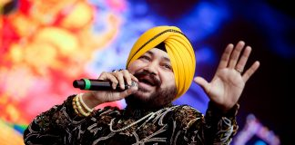 Punjabi, pop singer, Daler Mehndi, convicted, human trafficking, Patiala, court, NewsMobile, Mobile News, India