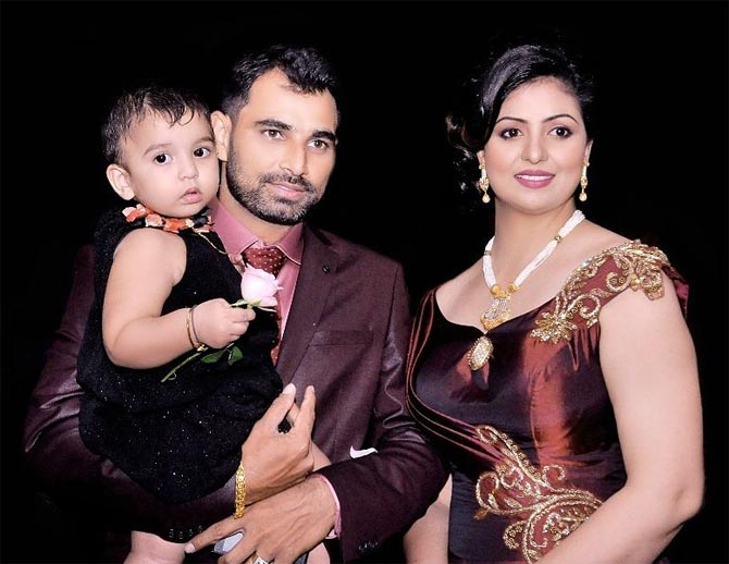 Mohammed Shami, Hasin Jahan, Wife, Cricketer, Fight, NewsMobile, Sports, Mobile News