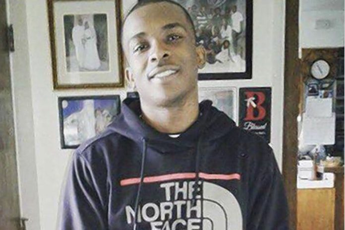 African-American, killed, US, cops, mistaken, phone, gun, iPhone, NewsMobile, Mobile News, India, World, United States