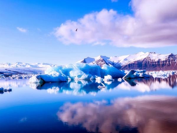 North Pole,Winter temperature,Celsius,Fahrenheit,Central Arctic,Greenland,FreezingTemperature,Weather anomaly, Arctic Sea, winter thaw,