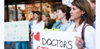 Doctors, Canada, Pay, Paid, Protest, NewsMobile, Mobile News, India