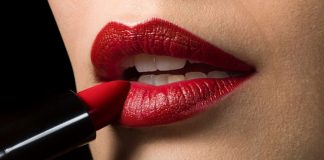 Ladies, seven steps, lipstick, tips, Lifestyle, makeup, NewsMobile, Mobile News, India