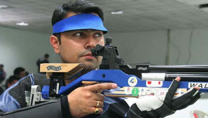 Gagan Narang takes young shooters under his wing