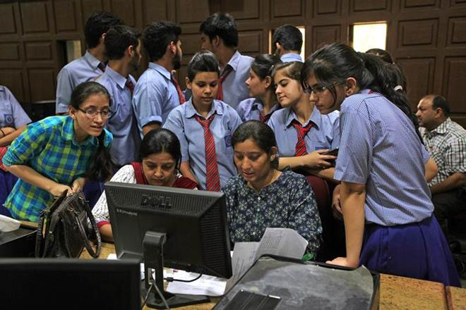 10th Class, Standard, Result, Education, NewsMobile, Mobile News, India