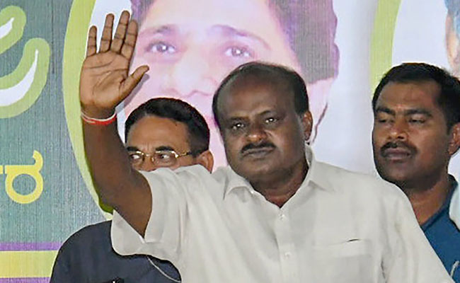 Congress, JD(S), win, Karnataka, floor test, Politics, Kumaraswamy, NewsMobile, Mobile news, India
