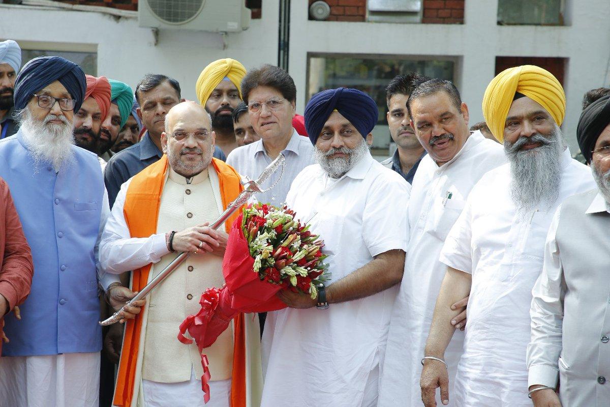 Akali Dal, BJP, Amit Shah, Shiromani Akali Dal, Sukhbir Singh Badal, , Parkash Singh Badal, Politics, NewsMobile, Mobile News, India