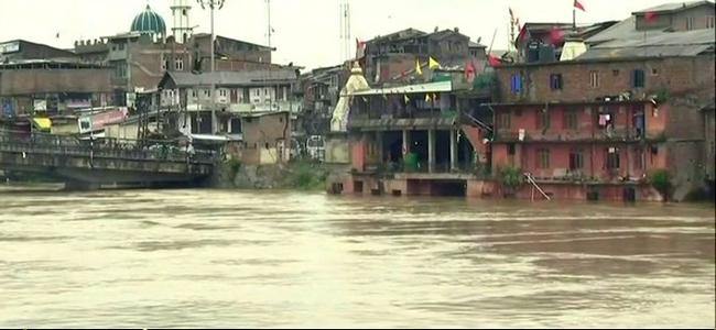 Jammu and Kashmir, rains, schools, NN Vohra, flood, floods,Jammu and Kashmir Governor,Syed Abid Shah, Deputy Commissioner,Srinagar,Amarnath Yatra,heavy rainfall, flood-like situation,