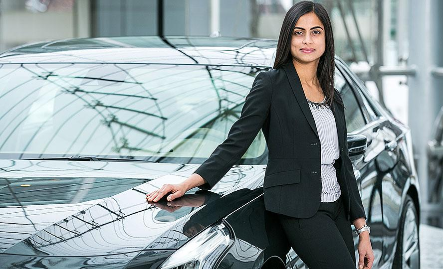 Dhivya Suryadevara, CFO, General Motors, Power Buzz, Business, NewsMobile, Mobile news, India