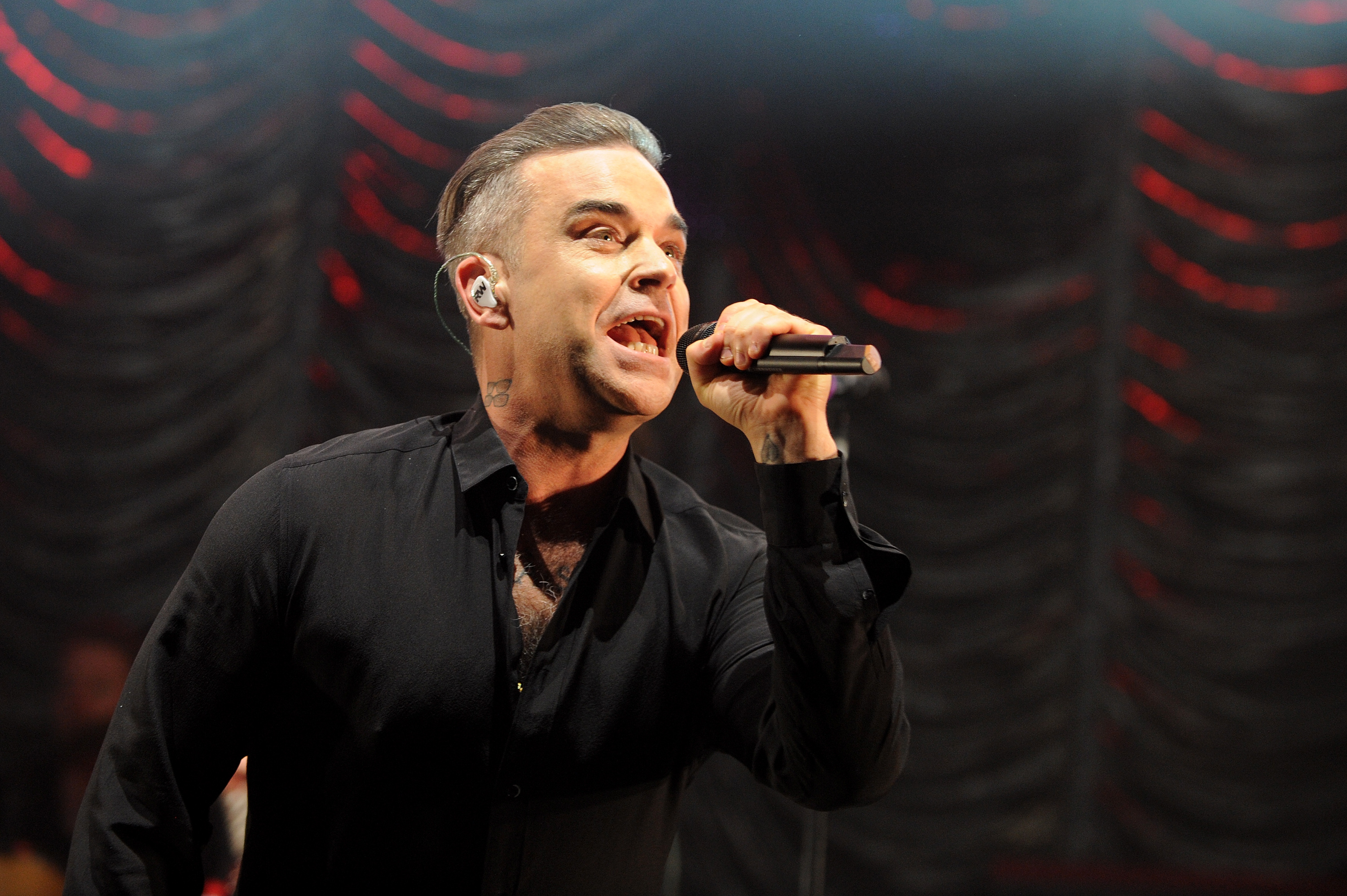 Robbie Williams to perform at FIFA World Cup opening ceremony