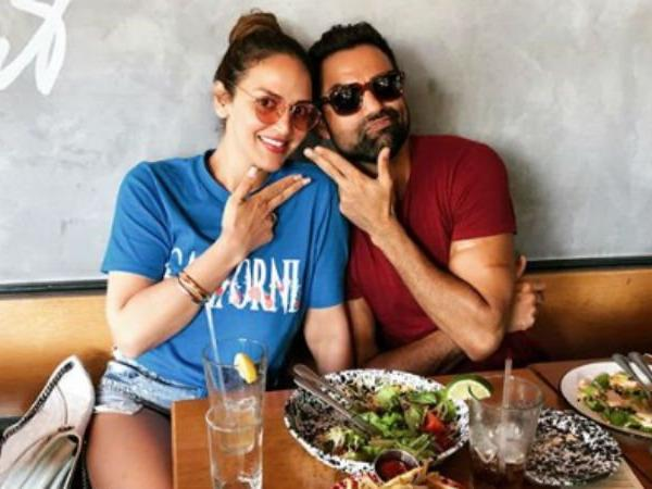 Esha Deol's timeout with cousin Abhay   Newsmobile