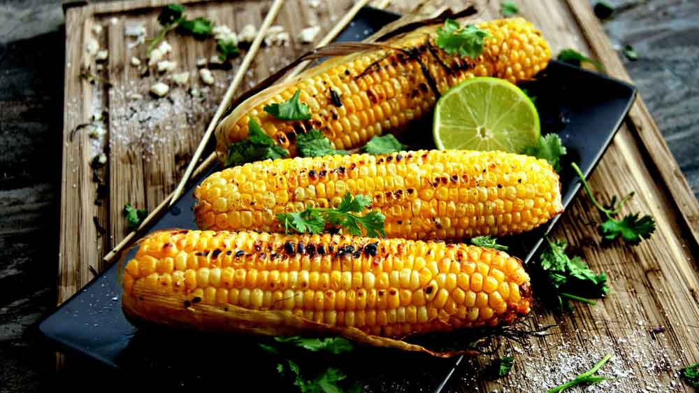 monsoons, monsoon diseases, corn on the cob, bhutta, India, rainy season, hygiene, cleanliness, roadside vendors