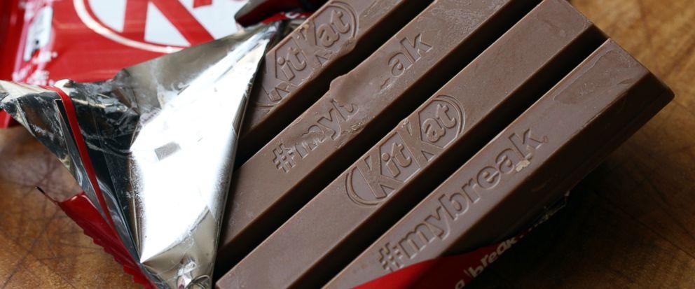 KitKat, 16-year, battle, four-fingered, wafer bar, NewsMobile, Mobile News, India