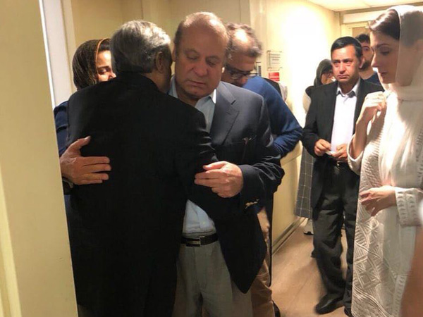 Nawaz Sharif, Maryam, farewell, London, arrest, Abu Dhabi, Airport, NewsMobile, Mobile News, India, Pakistan, Prime Minister
