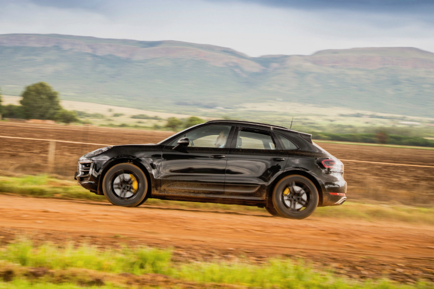 Porsche, teases, face lift, Macan, NewsMobile, Mobile News, India, Auto, Car, Auto