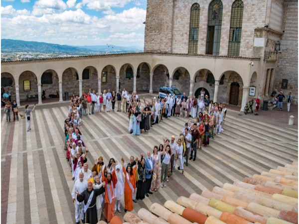 Religious leaders, peace pledge, Assisi, Italy, Prime Minister Narendra Modi, Peace Pledge Pilgrimage Project, Johannes Witteveen, The Hague, Peace Palace
