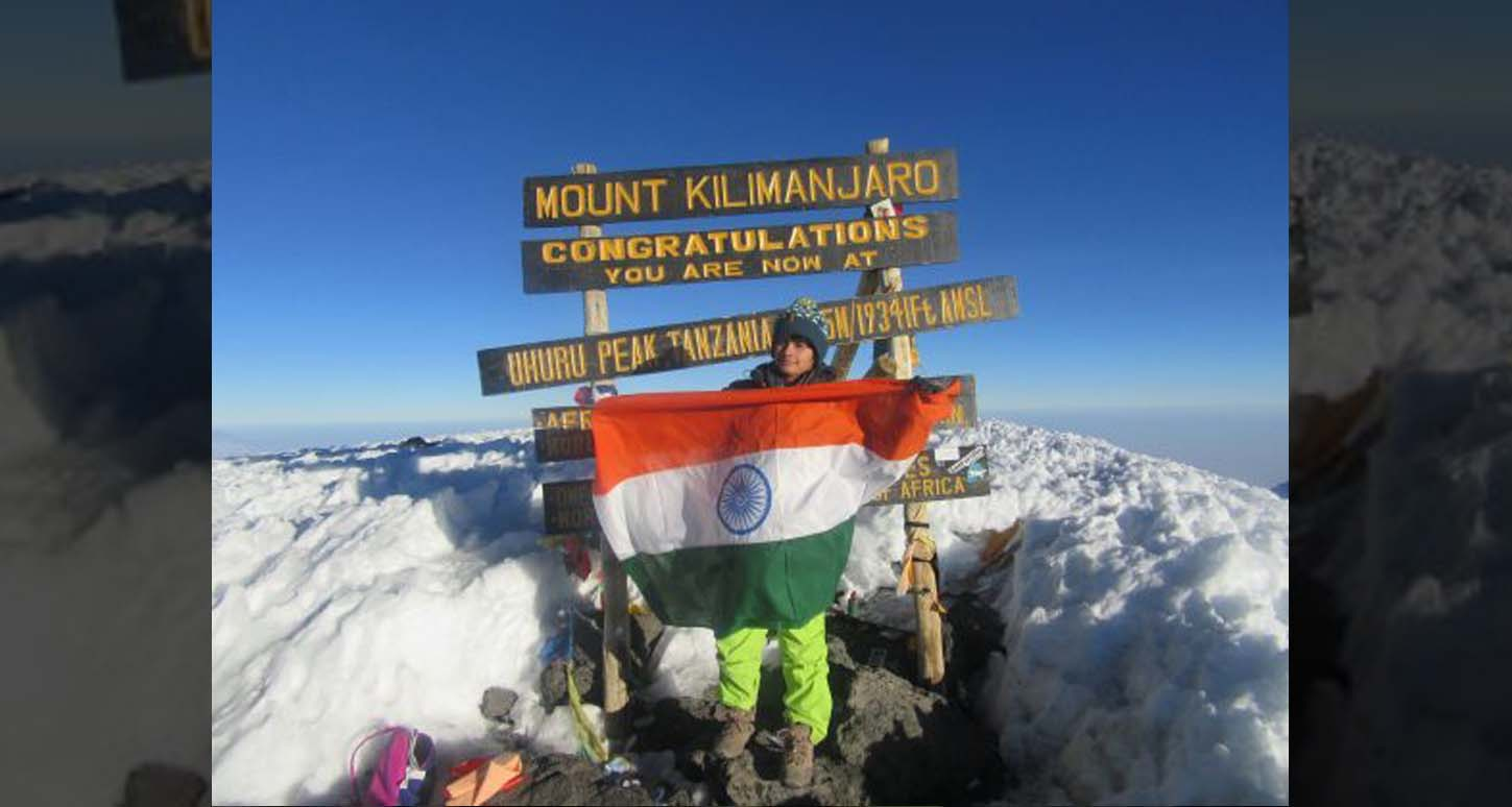 Mount Kilimanjaro, 17 YO, girl, Haryana, scales, Mount Kilimanjaro, 17 year old, Shivangi Pathak, Newsmobile, Mobile News, Sports, India