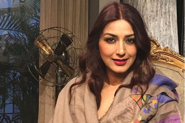 Sonali bendre, video collage, post, cancer, instagram