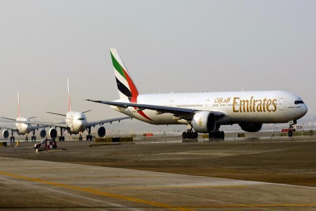 Emirates, U-turn, serving, Hindu meal, NewsMobile, Mobile News, India